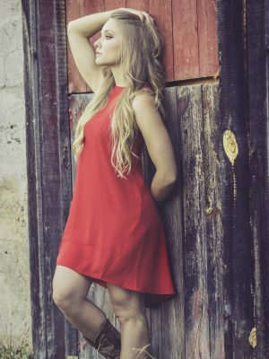 outdoor-person-wood-girl-old-barn-692349-pxhere.com_.jpg